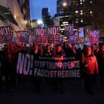 """【海外】 ロバート・デニーロさんら""""陣頭指揮"""" NYで「反トランプ」デモ 数千人が参加"""