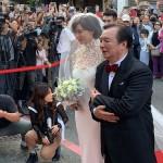 【芸能】花嫁姿のリン・チーリン、大勢の市民詰め掛け祝福 台湾挙式はEXILE ・AKIRA提案(*´д`)wwwww